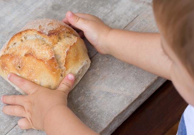 パンの離乳食「パン粥」はいつからOK?新米ママのための離乳食講座