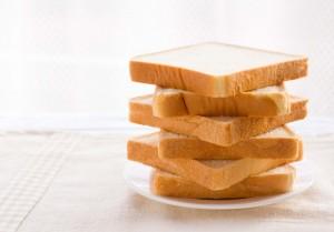なるほど!【食パンの雑学】どうして一斤って言うの?パン屋さんの1ダースは13個って本当?