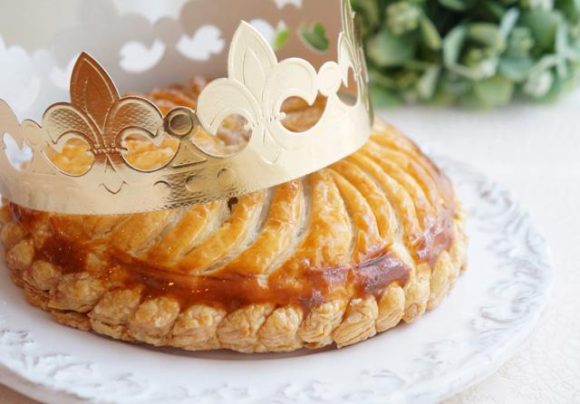 フランスの伝統的なパイ、ガレットデロワとは?食べ方やフェーブの魅力をチェック