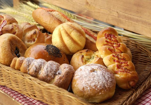 【日本のパンvs世界のパン】種類・食感・見た目…違いをチェック