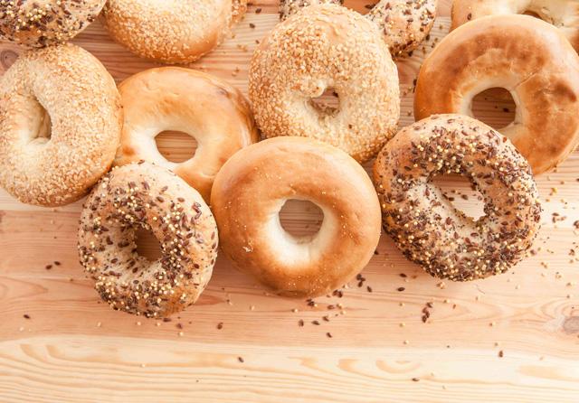 ベーグルの発祥はポーランド?ポーランドのパンとパンを使った料理まとめ