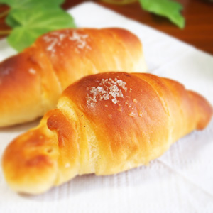 spread-salt-butter-roll-from-ehime-3
