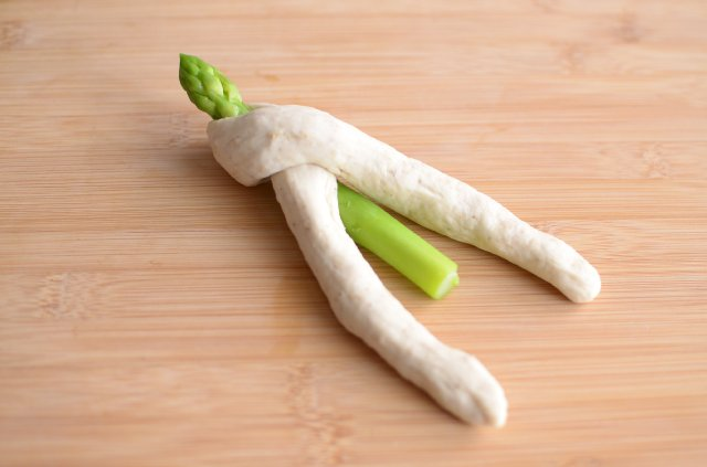24japanese-season-sesame-and-asparagus-bread-3