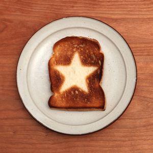 pan-art-of-toast-art-world-3