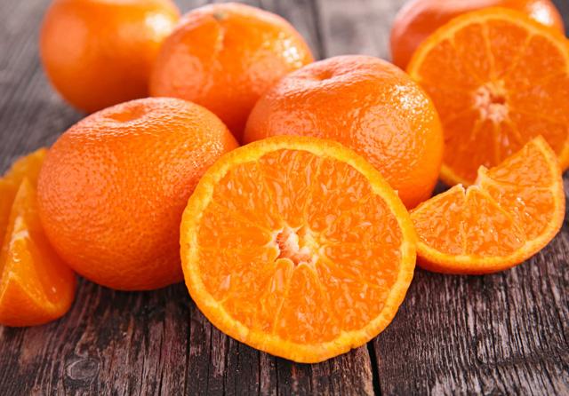 のせたり混ぜたり♪パンに合う国産のみかんやオレンジ、ゆずなどの柑橘類