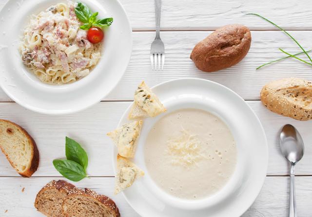 意外と知らない?洋食のテーブルマナーに合わせたパンの食べ方