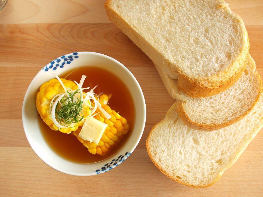 【一汁一ぱんのすすめ】とうもろこしとバターの味噌汁