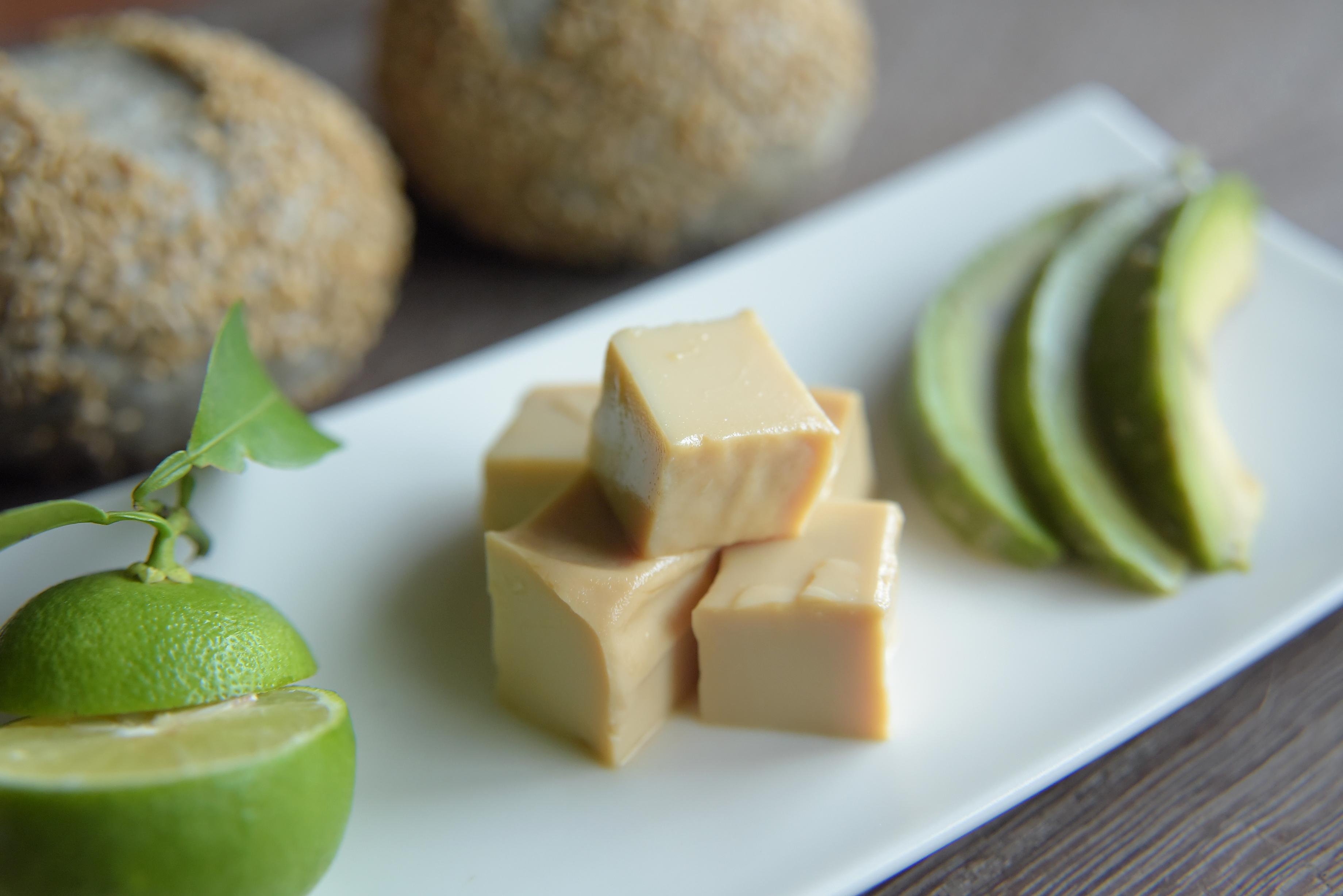 【ぱんと郷土料理と】豆腐のみそ漬け