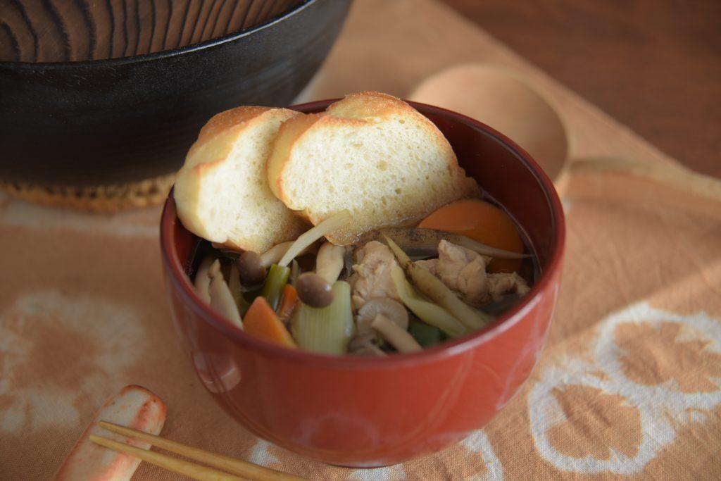 【ぱんと郷土料理と】せんべい汁