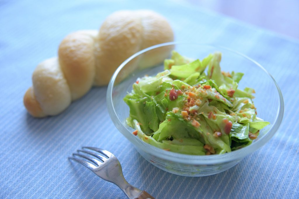 【ぱんのおかず】新キャベツの梅サラダ